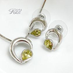 淺橄欖鑽水滴造型套組(墬子+耳環) 僅此一套