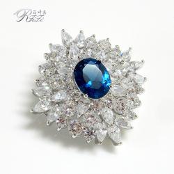 華麗尖晶水藍鑽飾品 別針墬鍊兩用設計