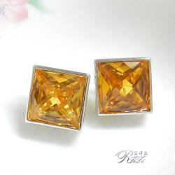 碩大型正方金黃色系耳環(耳針)