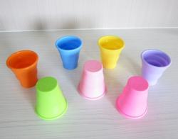 矽膠伸縮杯(杯口包鋼圈)附塑膠收納盒